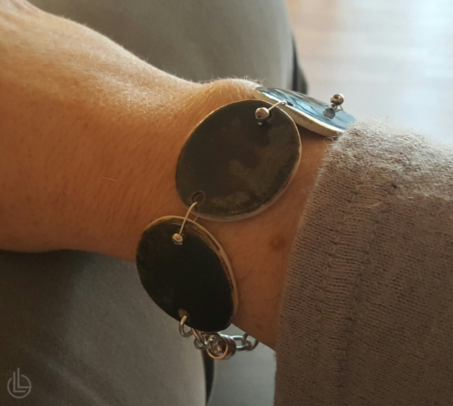 closed-circle-bracelet